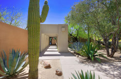 Photo of 6711 N 47th Street, Paradise Valley, AZ 85253 (MLS # 5752607)