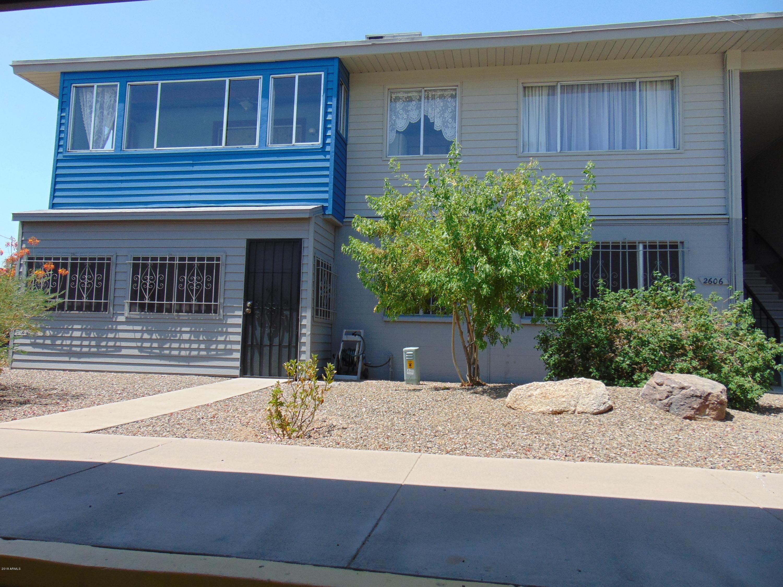 Photo for 2606 W Berridge Lane, Unit C-206, Phoenix, AZ 85017 (MLS # 5758225)