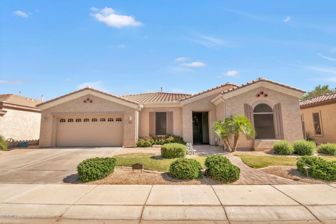 Photo for 4206 E Carob Drive, Gilbert, AZ 85298 (MLS # 5770432)