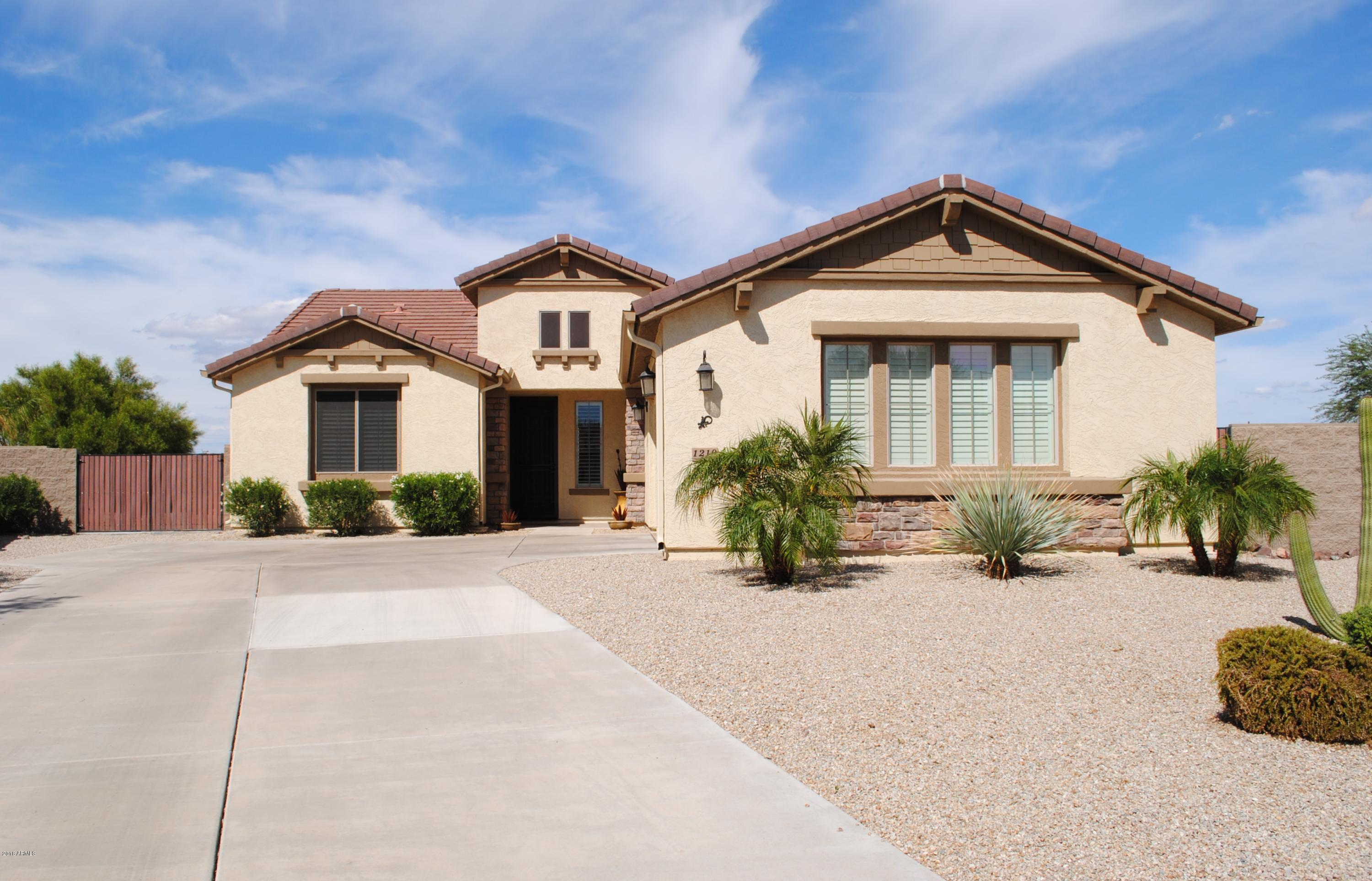 Photo for 1210 W Cutleaf Circle, San Tan Valley, AZ 85143 (MLS # 5830039)