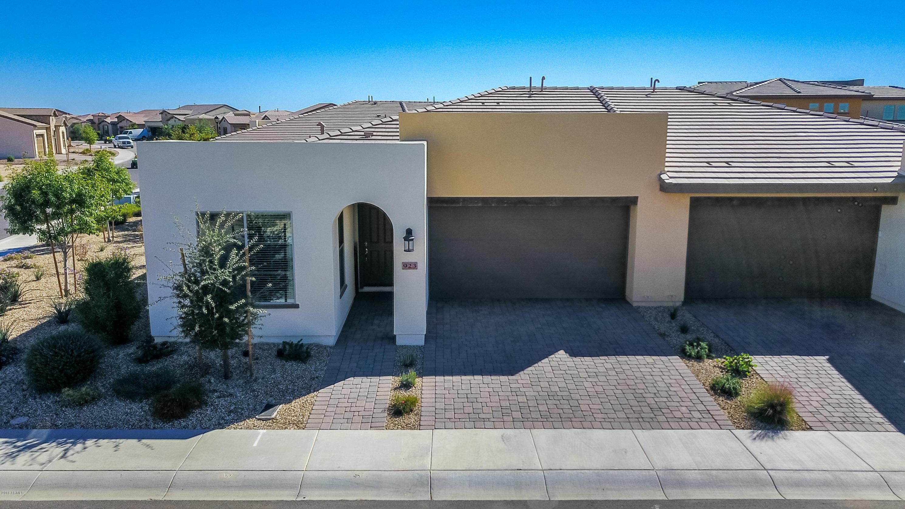 Photo for 923 E Cereus Pass, San Tan Valley, AZ 85140 (MLS # 5845860)