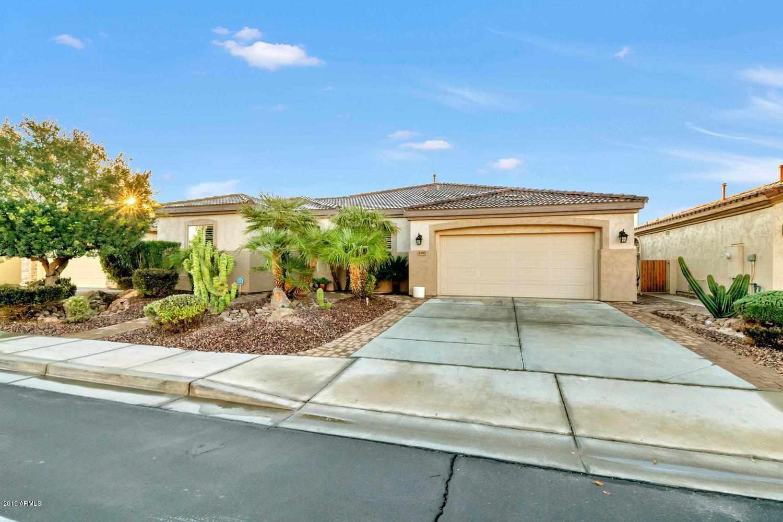 Photo for 4383 E Ficus Way, Gilbert, AZ 85298 (MLS # 5864678)