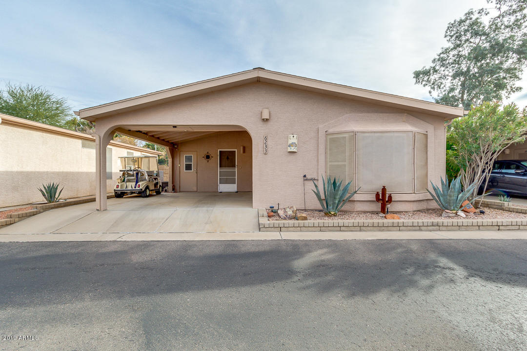 Photo for 6233 S Oakmont Drive, Chandler, AZ 85249 (MLS # 5874590)