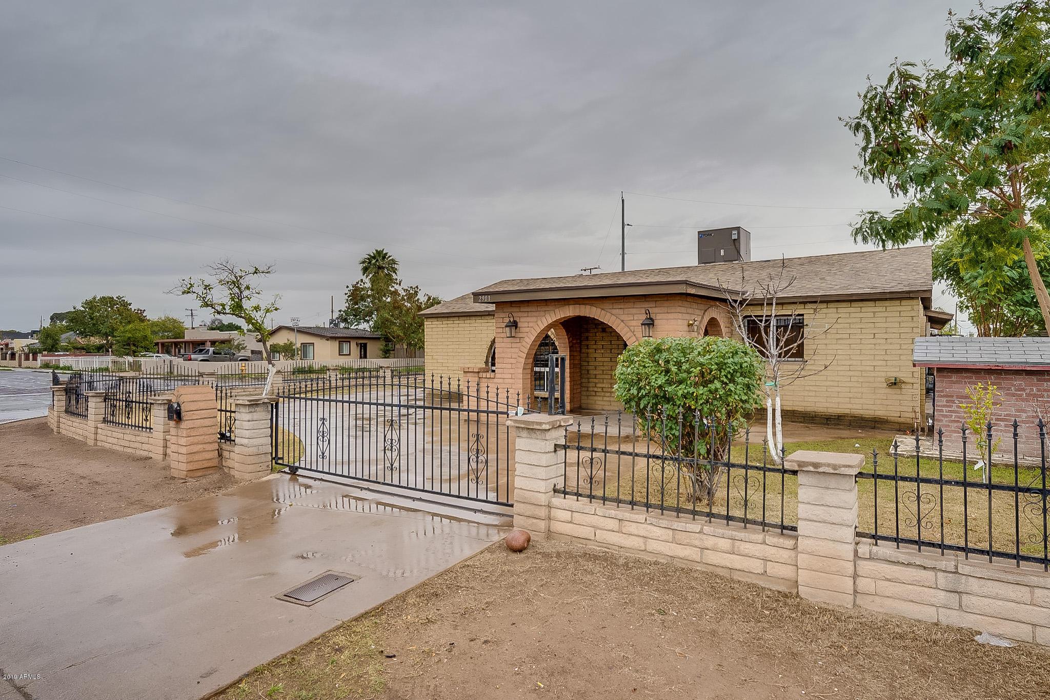 Photo for 2901 W Garfield Street, Phoenix, AZ 85009 (MLS # 5883796)