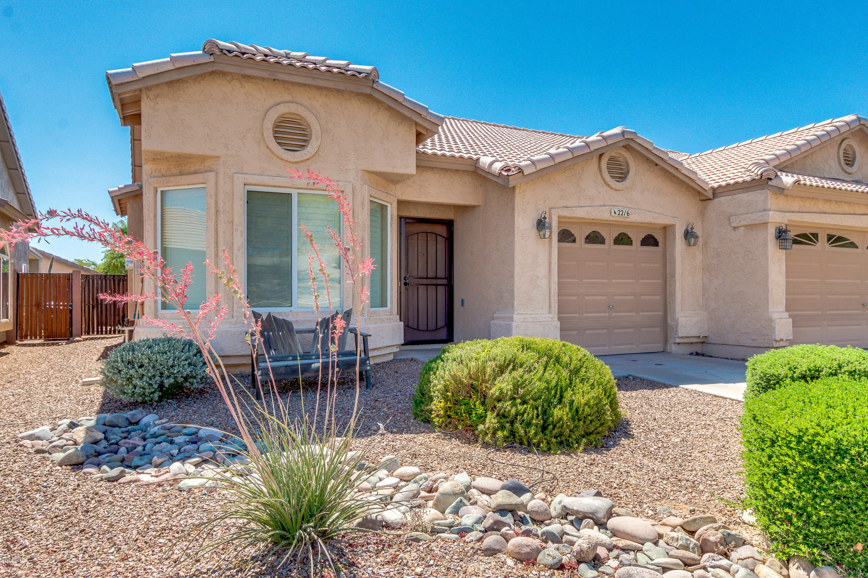Photo for 2216 E Clubhouse Drive, Phoenix, AZ 85048 (MLS # 5933385)