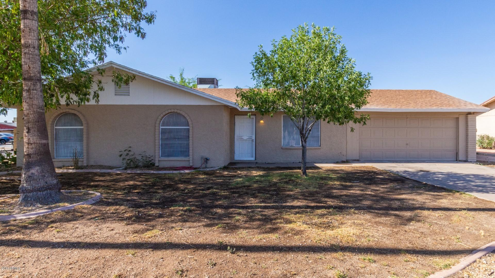 Photo for 1902 E Desert Drive, Phoenix, AZ 85042 (MLS # 5934911)