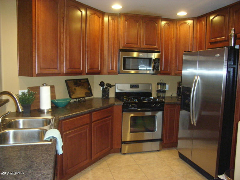 Photo for 5350 E Deer Valley Drive, Unit 1422, Phoenix, AZ 85054 (MLS # 5911927)