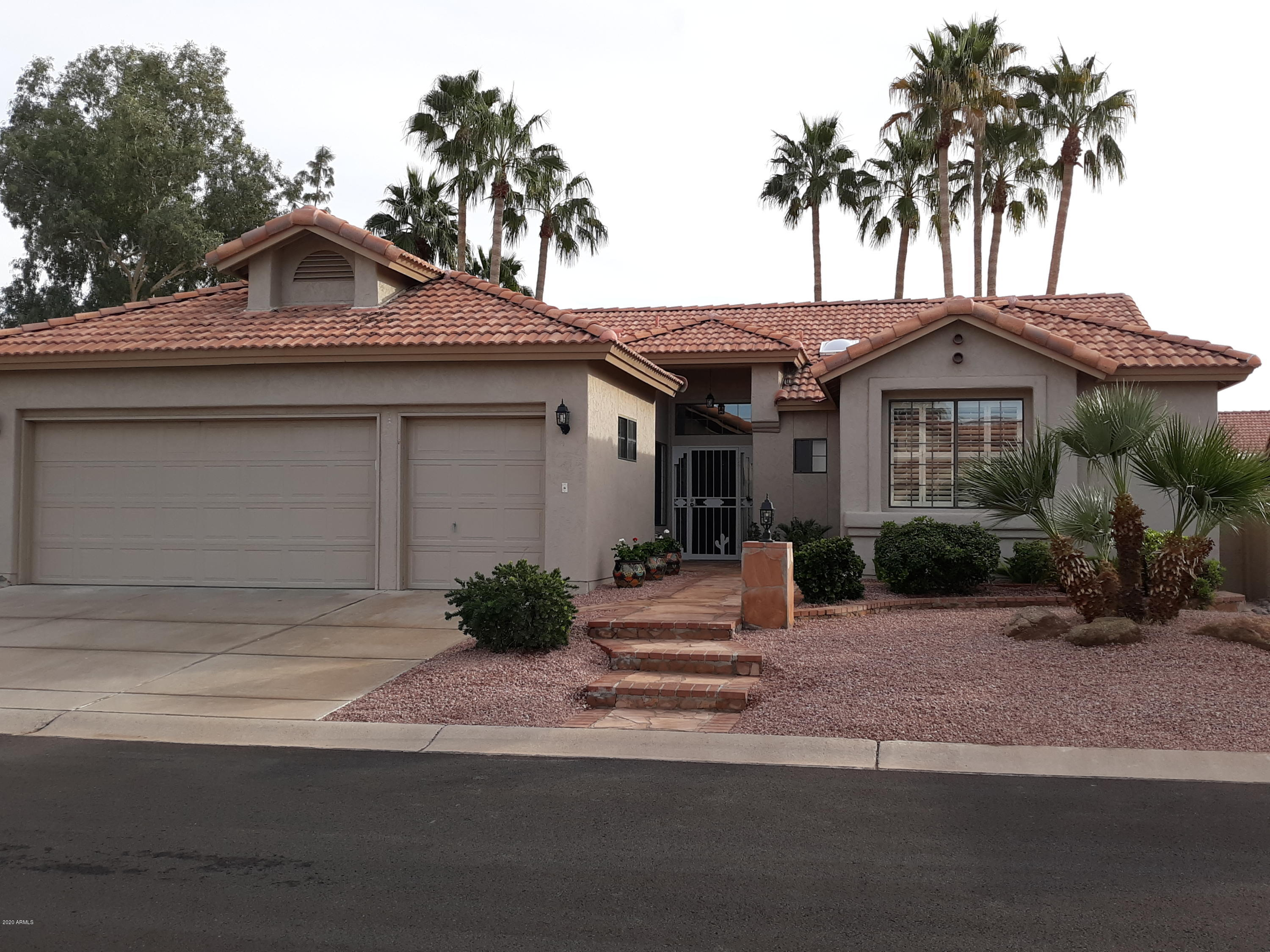 Photo for 10537 E Cedar Waxwing Drive, Sun Lakes, AZ 85248 (MLS # 5914021)