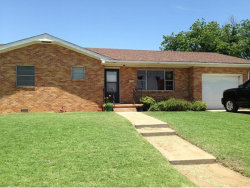 Photo of 229 W Pierce, Mangum, OK 73554 (MLS # 284813)