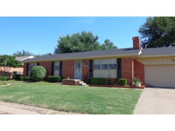 Photo of 300 S Mockingbird Dr, Altus, OK 73521 (MLS # 285227)