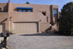 Photo of 251 Camino De La Sierra, Santa Fe, NM 87501 (MLS # 201800407)