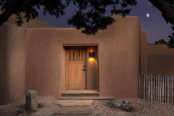 Photo of 1031 Mansion Ridge Road, Santa Fe, NM 87501 (MLS # 201902615)
