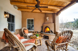 Photo of 6 Kwahe Ridge Rd, Santa Fe, NM 87506 (MLS # 202000596)