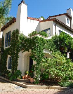 Photo of 214 Santa Barbara Street, Unit B, Santa Barbara, CA 93101 (MLS # 18003064)