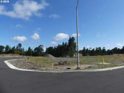 Photo of 7 TOURNAMENT DR , Unit 7, Florence, OR 97439 (MLS # 19020211)