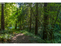 Photo of 1121 SW MAPLECREST DR, Portland, OR 97219 (MLS # 19484673)