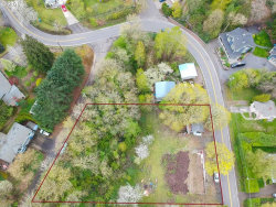 Photo of 2008 SW TAYLORS FERRY RD, Portland, OR 97219 (MLS # 20219505)