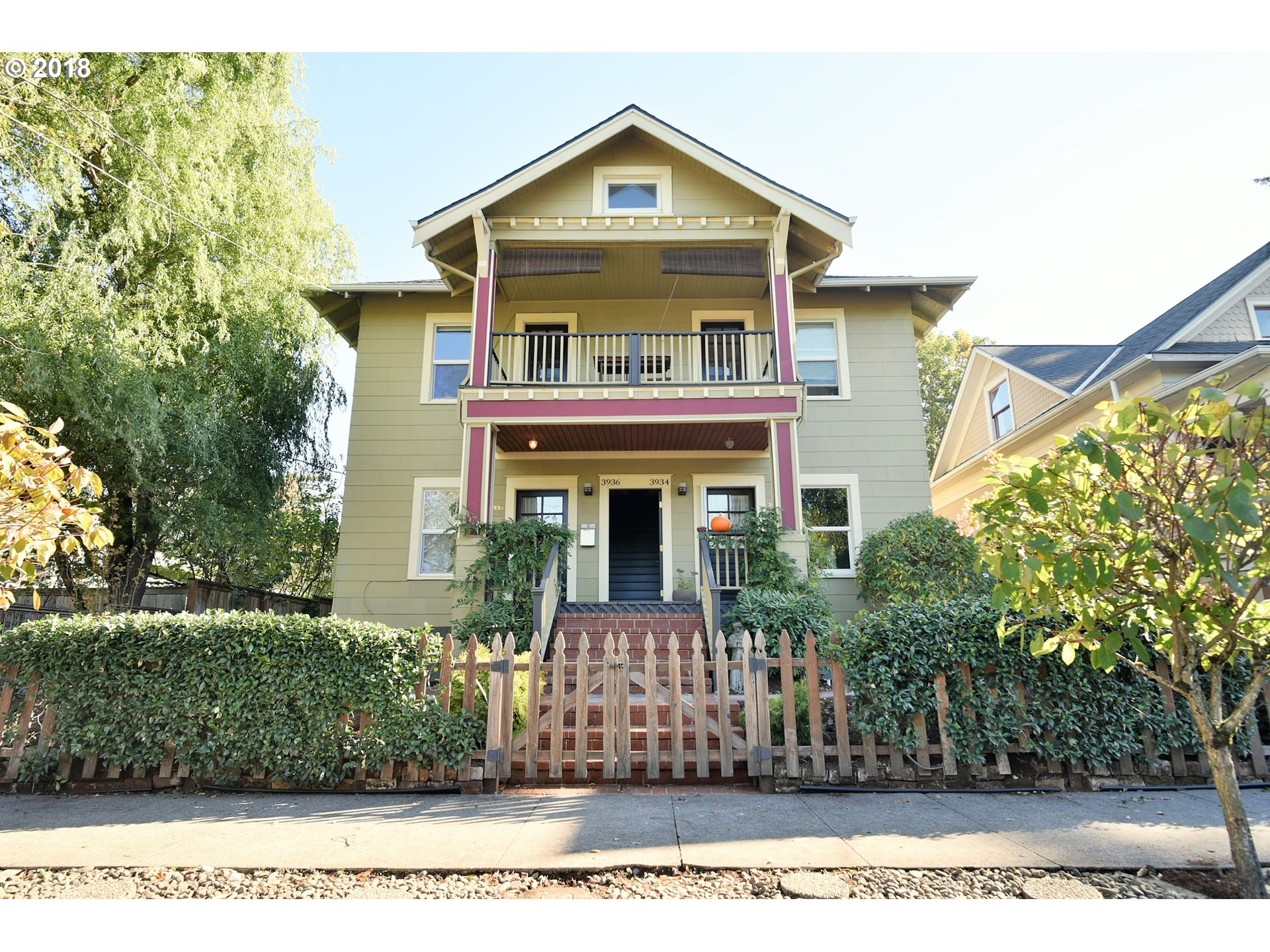 Photo for 3932 N ALBINA AVE, Portland, OR 97227 (MLS # 18433799)