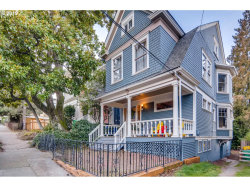 Photo of 2349 NW HOYT ST, Portland, OR 97210 (MLS # 19051237)