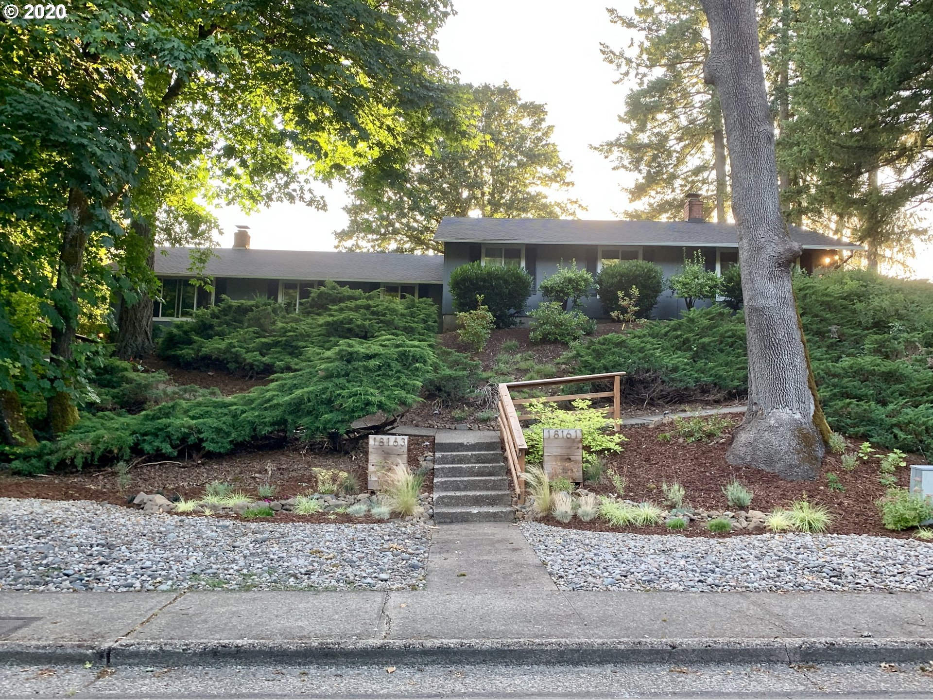 Photo for 18161 DEERBRUSH AVE, Lake Oswego, OR 97035 (MLS # 20501002)