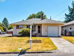 Photo of 9752 SE 48TH AVE, Milwaukie, OR 97222 (MLS # 17007306)