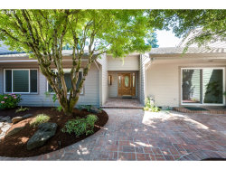 Photo of 32555 SW LAKE POINT CT, Wilsonville, OR 97070 (MLS # 17009779)