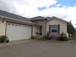 Photo of 1757 NE SHALE CT, Roseburg, OR 97470 (MLS # 17010632)