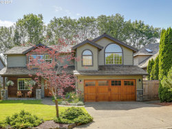 Photo of 12788 SIERRA VISTA DR, Lake Oswego, OR 97035 (MLS # 17013859)