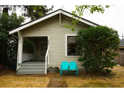 Photo of 6030 SE WOODSTOCK BLVD, Portland, OR 97206 (MLS # 17084749)
