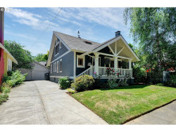 Photo of 1324 SE FLAVEL ST, Portland, OR 97202 (MLS # 17121310)
