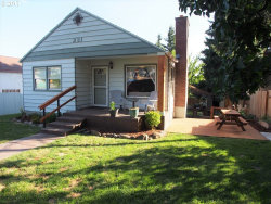 Photo of 231 W 16TH ST, The Dalles, OR 97058 (MLS # 17135652)