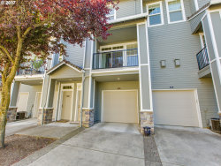 Photo of 2650 SNOWBERRY RIDGE CT, West Linn, OR 97068 (MLS # 17144386)