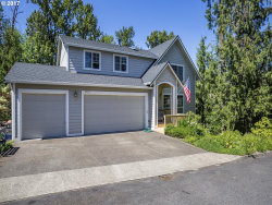 Photo of 5713 SE SHADOWBROOK PL, Hillsboro, OR 97123 (MLS # 17167976)