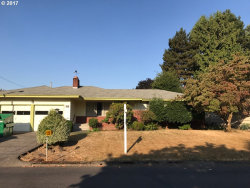 Photo of 8629 SE 34TH AVE, Milwaukie, OR 97222 (MLS # 17191979)