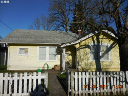 Photo of 420 W CLARENDON ST, Gladstone, OR 97027 (MLS # 17195412)