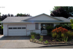 Photo of 331 S COLUMBIA DR, Woodburn, OR 97071 (MLS # 17208004)