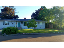 Photo of 1656 NW BEAUMONT AVE, Roseburg, OR 97471 (MLS # 17213857)