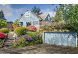 Photo of 6925 SW BURLINGAME AVE, Portland, OR 97219 (MLS # 17257095)