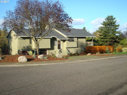 Photo of 2188 CLUB HOUSE DR, West Linn, OR 97068 (MLS # 17292100)