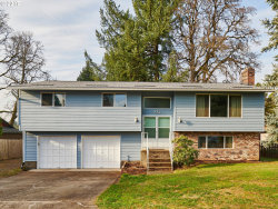 Photo of 992 JOSEPHINE ST, Oregon City, OR 97045 (MLS # 17346139)