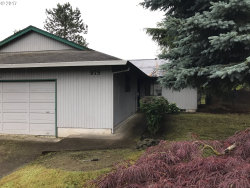 Photo of 975 NE 8TH PL, Canby, OR 97013 (MLS # 17381738)