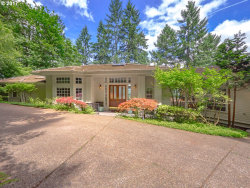 Photo of 17390 GRANDVIEW CT, Lake Oswego, OR 97034 (MLS # 17397344)