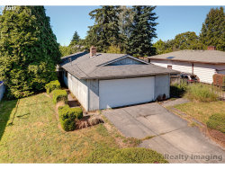 Photo of 5603 SE MALL ST, Portland, OR 97206 (MLS # 17403672)