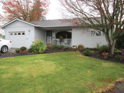 Photo of 1989 W HAYES ST, Woodburn, OR 97071 (MLS # 17412560)