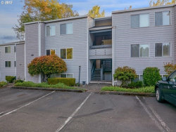 Photo of 47 EAGLE CREST DR , Unit 8, Lake Oswego, OR 97035 (MLS # 17432148)