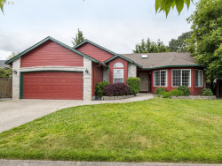 Photo of 2327 NE JAMIE DR, Hillsboro, OR 97124 (MLS # 17458470)