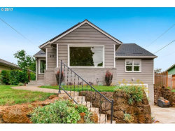 Photo of 417 SE 52ND AVE, Portland, OR 97215 (MLS # 17470117)