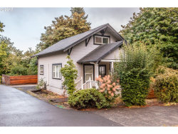 Photo of 6495 LOWRY DR, West Linn, OR 97068 (MLS # 17528489)