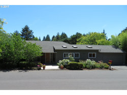 Photo of 8200 SW PARRWAY DR, Portland, OR 97225 (MLS # 17540470)