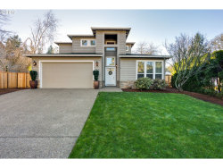 Photo of 4729 LAKEVIEW BLVD, Lake Oswego, OR 97035 (MLS # 17543347)